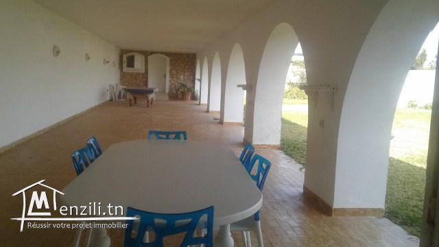 Une magnifique villa à louer pour les vacances à Chott Meriam