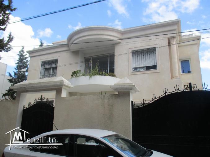 à vendre villa à soukra chotrana tél 53610180