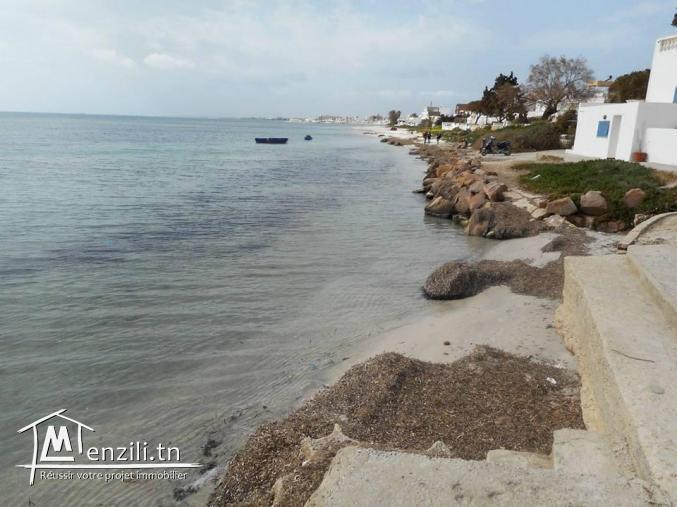 COQUETTE VILLA PIEDS DANS L'EAU A KELIBIA