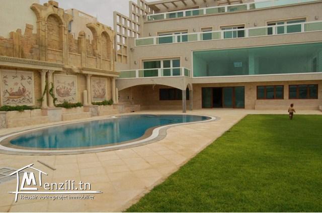 A vendre une luxueuse villa à Chott Meriem