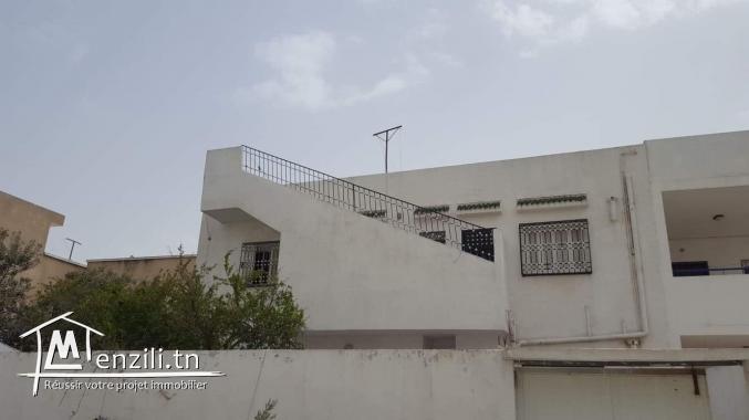 Etage de villa cité ghazala