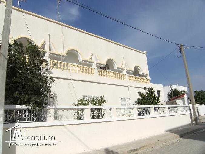 Particulier vend maison sur 2 étages à Ben Arous Cité Yasminet documents administratifs en...