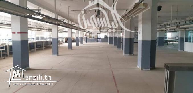 Usine au 1 ère étage dans la zone industrielle de Sidi Abdelhamid