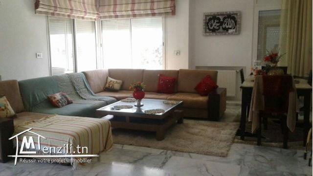 A louer à l'année un joli étage de villa à Hammam Sousse