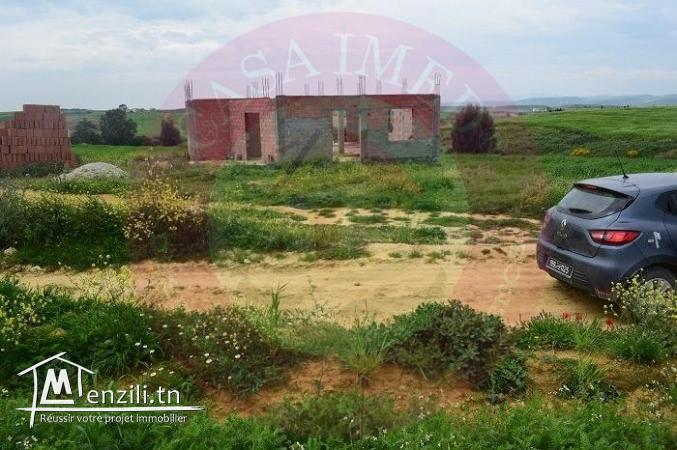 un terrain à kélibia de  250 m²