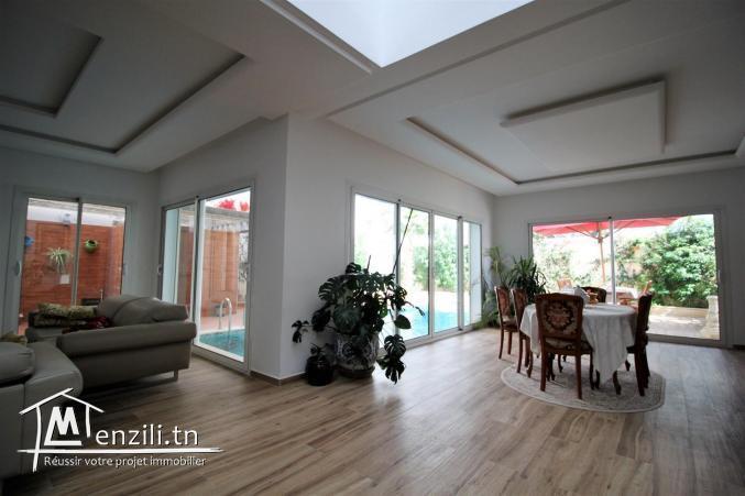 Lumineuse villa à la Soukra