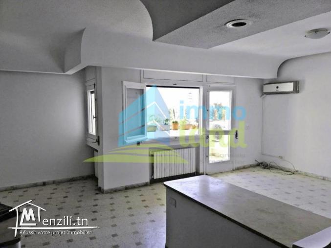 Appartement S3 de 150 m2 à Ariana supérieure