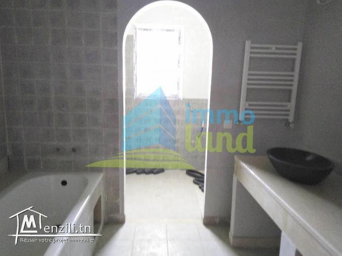 Etage de villa S3 de 215 m2 à Menzah 9B
