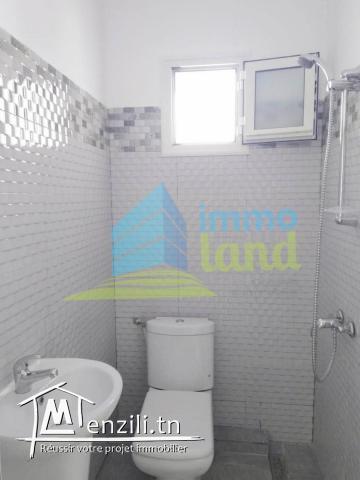 Étage de villa S4 de 160 m2 jamais habité à Menzah 8