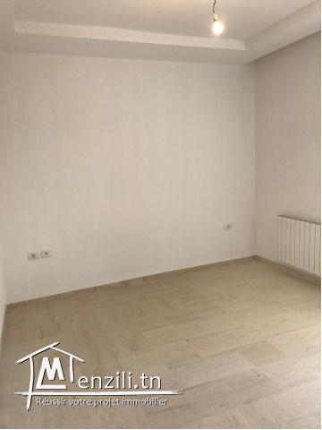 A vendre un joli appartement à Chott Mariem de 90m²