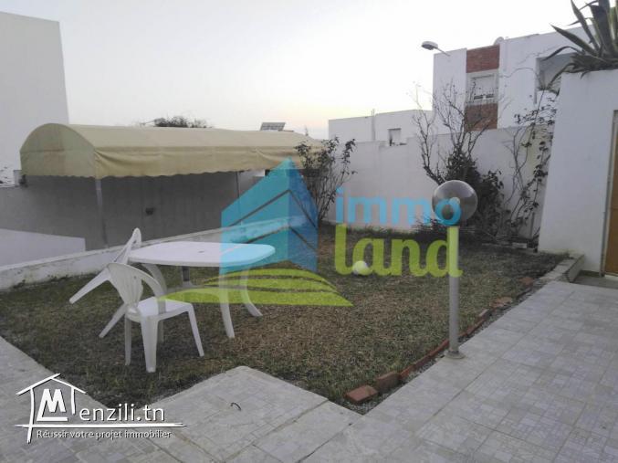 Duplex de 190 m2 sur un terrain de 300 m2 aux jardins d'el menzah