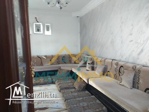 Bâtiment de 600 m² sur un terrain de 322 m² - Zouila Mahdia- 400 000 TND
