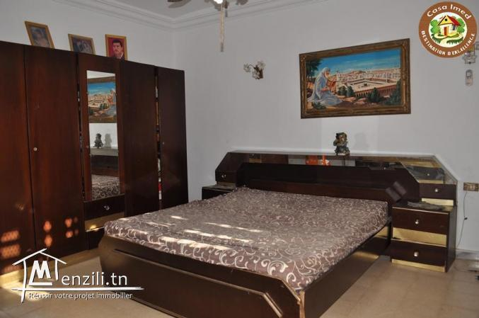 étage de villa en plein centre ville korba