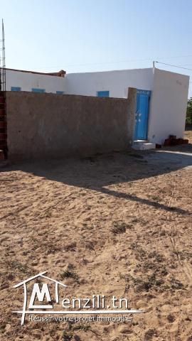 Terrain constructible et résidence