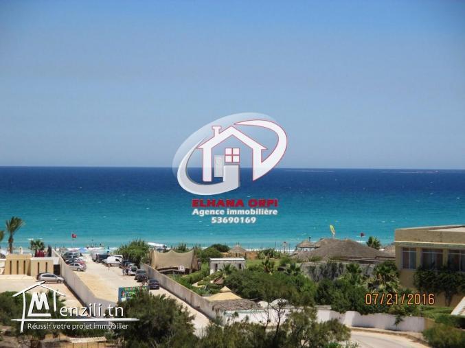 Appartement Ennadhour vue sur mer et pieds dans l'eau