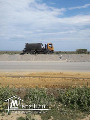 a vendre un beau terrain a 1.5 km de hammamet sud
