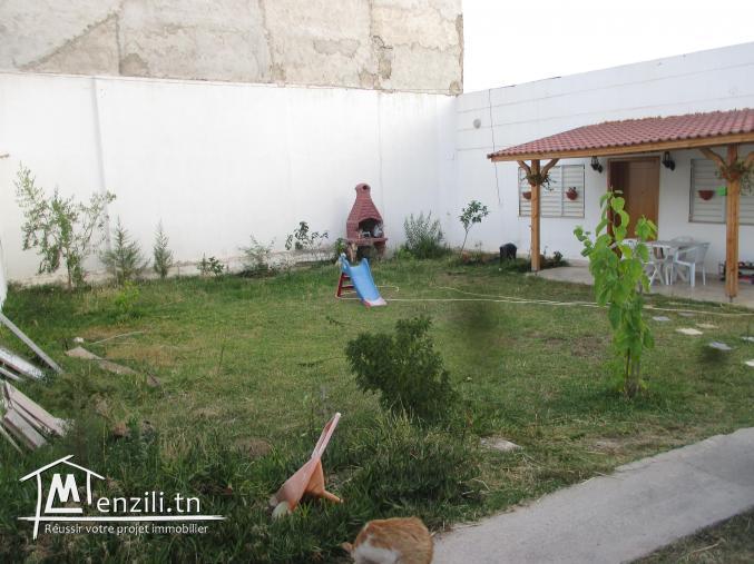 à vendre une belle maison à jardin d 'Elmanzah