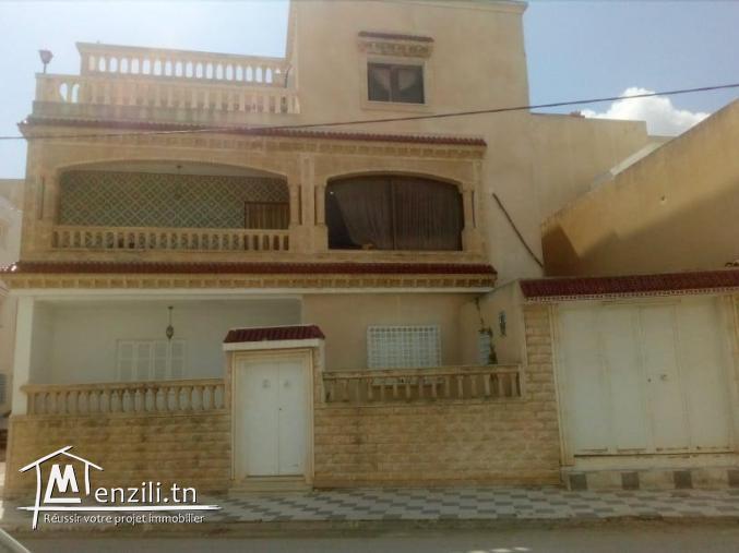 belle villa fait coin, sur 3 niveau à barraket essahel AFH Hammamet sud