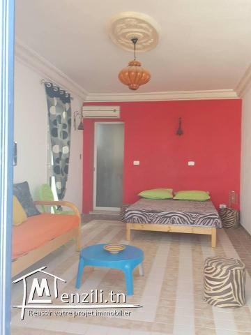 Villa avec piscine à louer à Houmet Souk ,Essouan