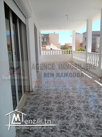 Réf : l148 : un étage de villa à cité melouf