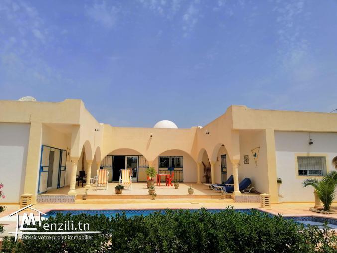 Maison jolie maison en u avec piscine zu m denine djerba midoun - Maison en u avec piscine ...