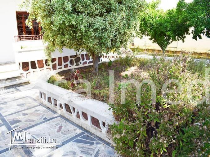 Trés chic villa à Manzah 5