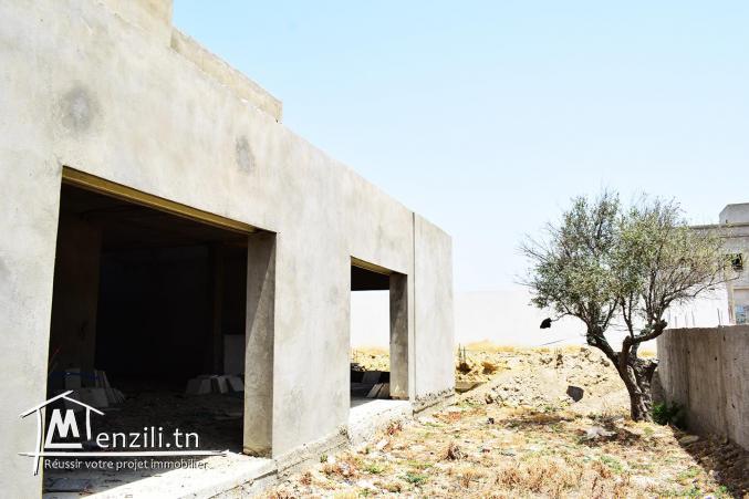 une belle villa inachevée à bhar lazrek