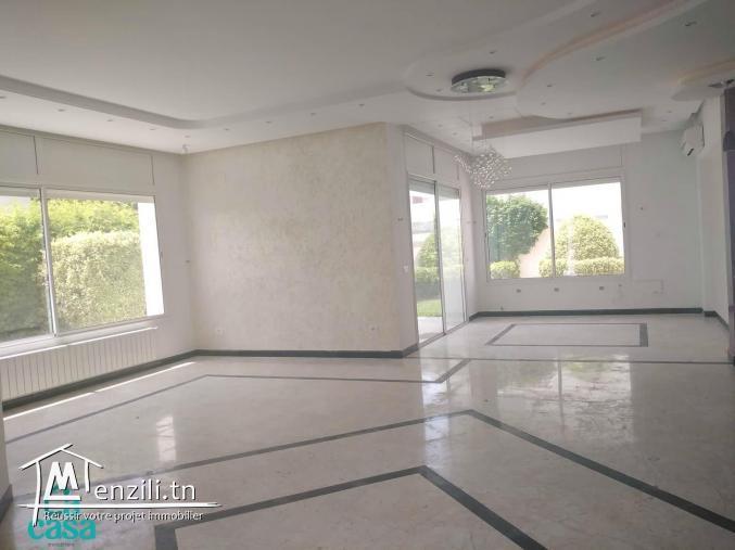 villa en s 3 de 400 m² à Sidi Mahrsi