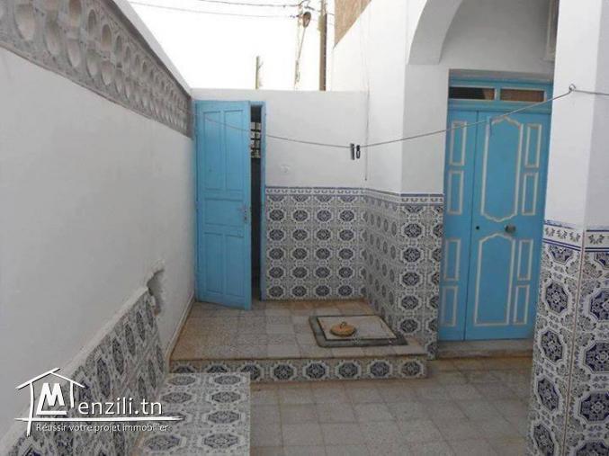 دار للبيع بحي المهرجان عدد 82 تطاوين تونس