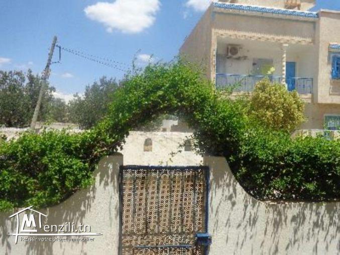 un appartement RDC avec jardin proche  hotel nahrawes gh