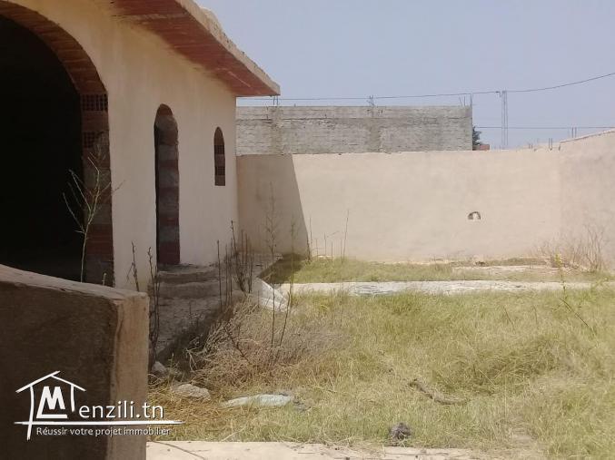 maison a vendre pas loin de yesmine hammamet       gh
