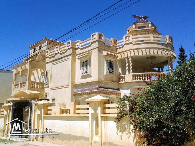 À louer une grande villa (habitation ou bureautique)