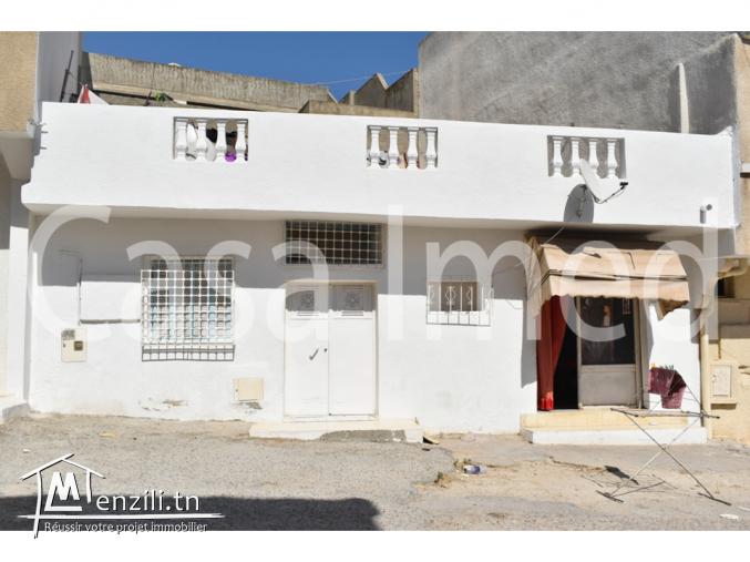 une maison , a cité ibn kholdoun prés de magasin général