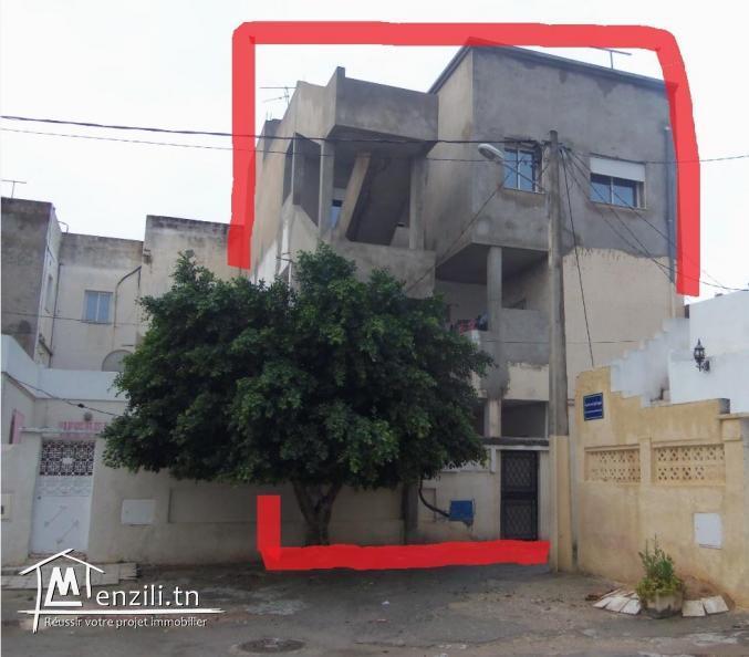 a vendre grande maison R+2 (3 maisons) a citée ettahrir