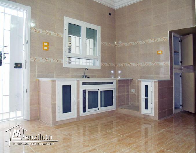 Location étage de villa indépendant
