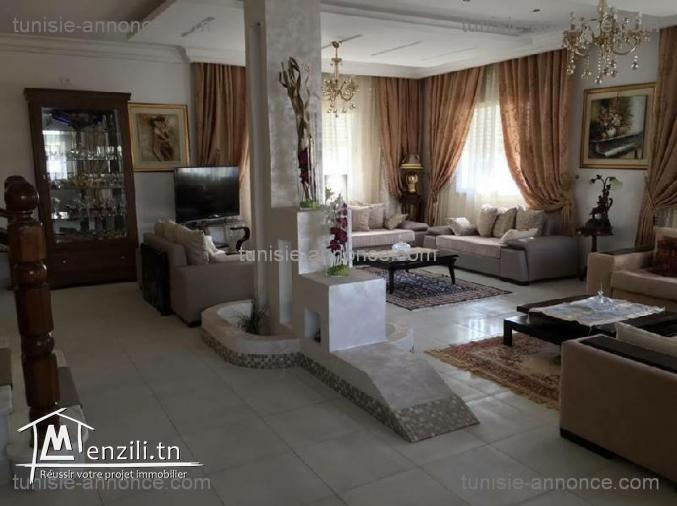 Villa R+2 à cité Ettahrir en très bon état