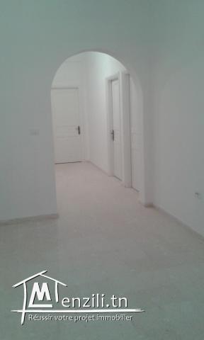 Appartement au 1 er étage à Sidi Ahmed Zarrouk