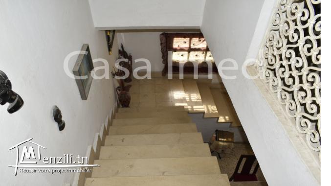 une villa de deux étages bardo