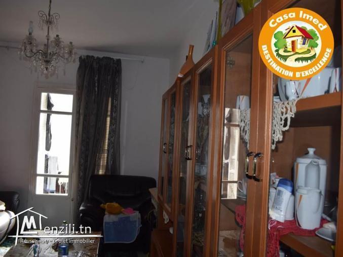 un appartement S+2  à Cité Béhi Ladghem en 1 ére étage