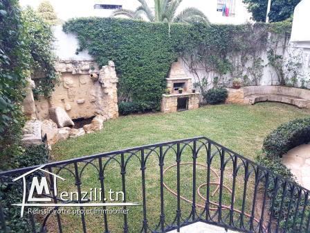Villa de 600m² sur un terrain de 410 m² à L'Aouina Cité Les Palmerais