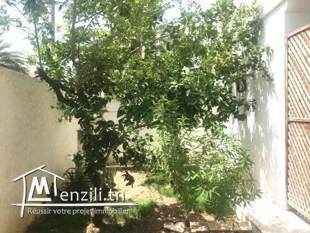 RDC de villa de 155 m² sur un terrain de 400 m² à Mégrine jawahra