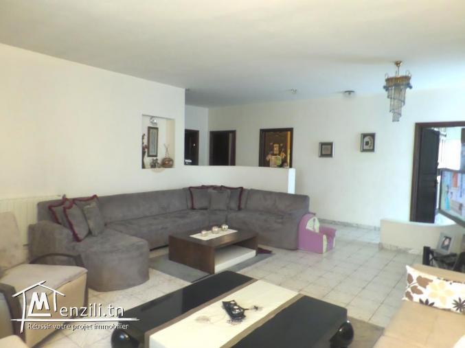 Villa de 310 m² sur terrain de 400 m² à Rades