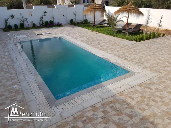 villa avec piscine V332