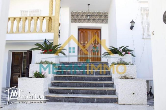 Villa S+5 de 270 m² sur un terrain de 583 m²- Zone Touristique de Mahdia - 570000 TND