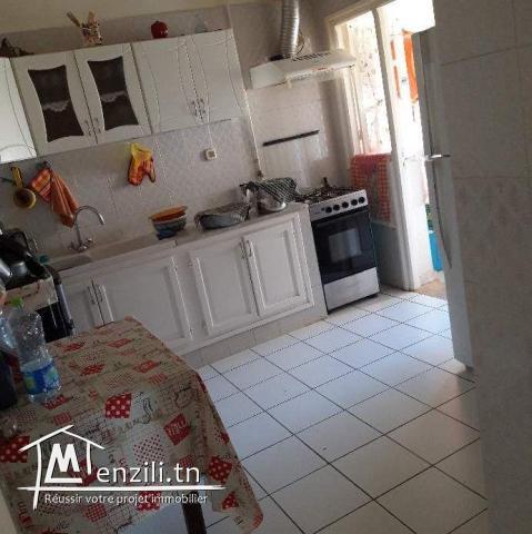 Appartement S+3 1 ère étage à diar ben mahmoud El Agba à vendre