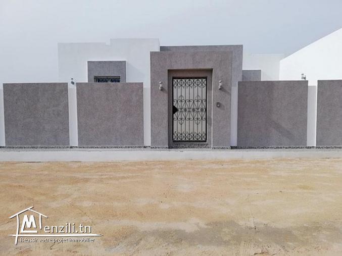 Belle villa à vendre à Houmt Souk prix 260 mille d