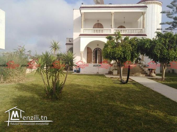 Grande villa avec jardin et sous sol