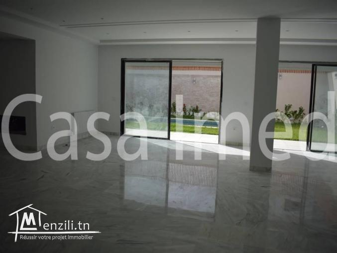 Superbe villa à Soukra de 300 m2