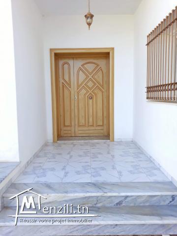 Villa à vendre  à sfax route sokra