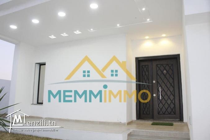 Villa pieds dans l'eau de 220 m² sur un terrain de 330 m² - Rejich Mahdia